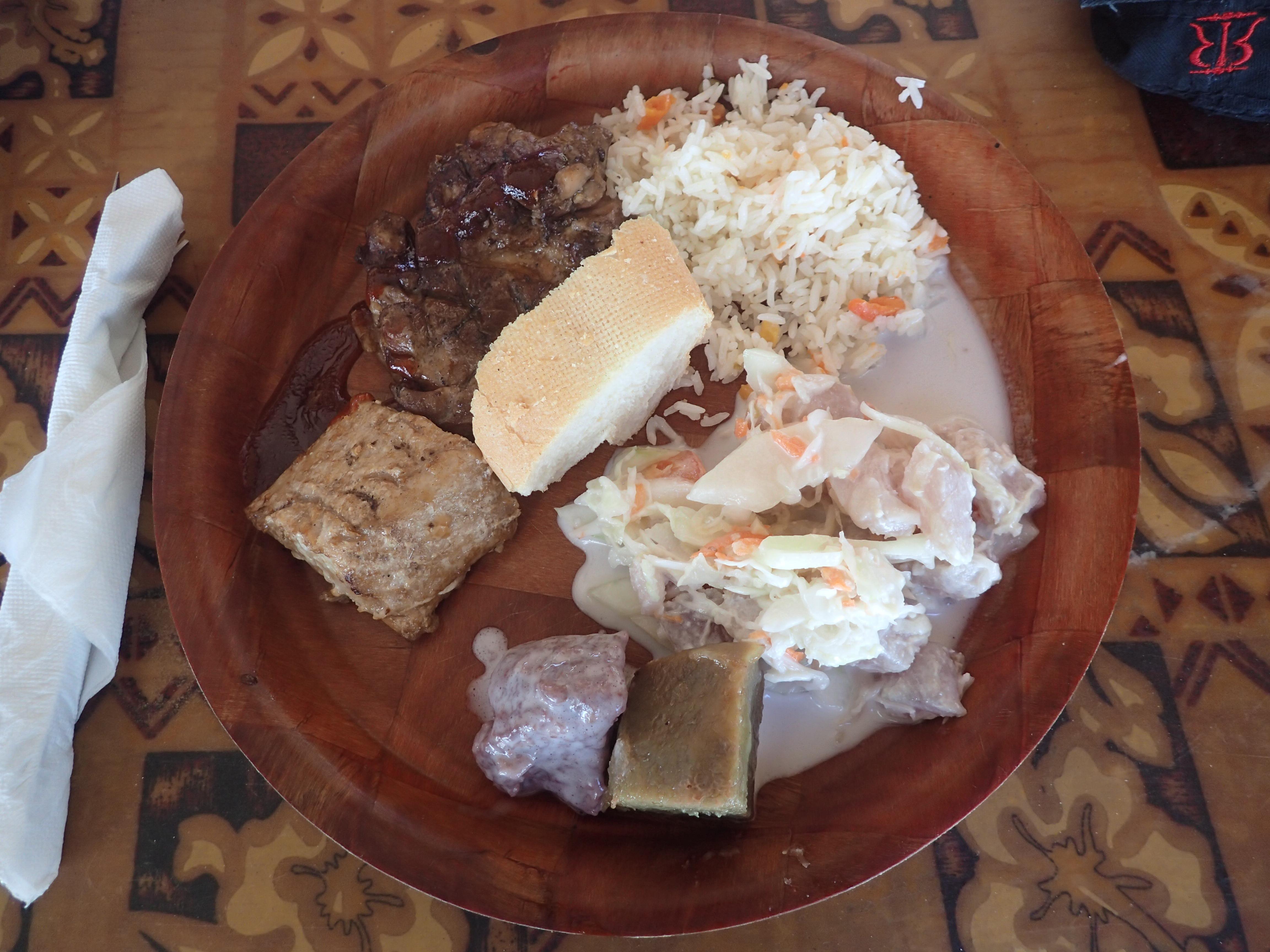 Polynesialainen lounas