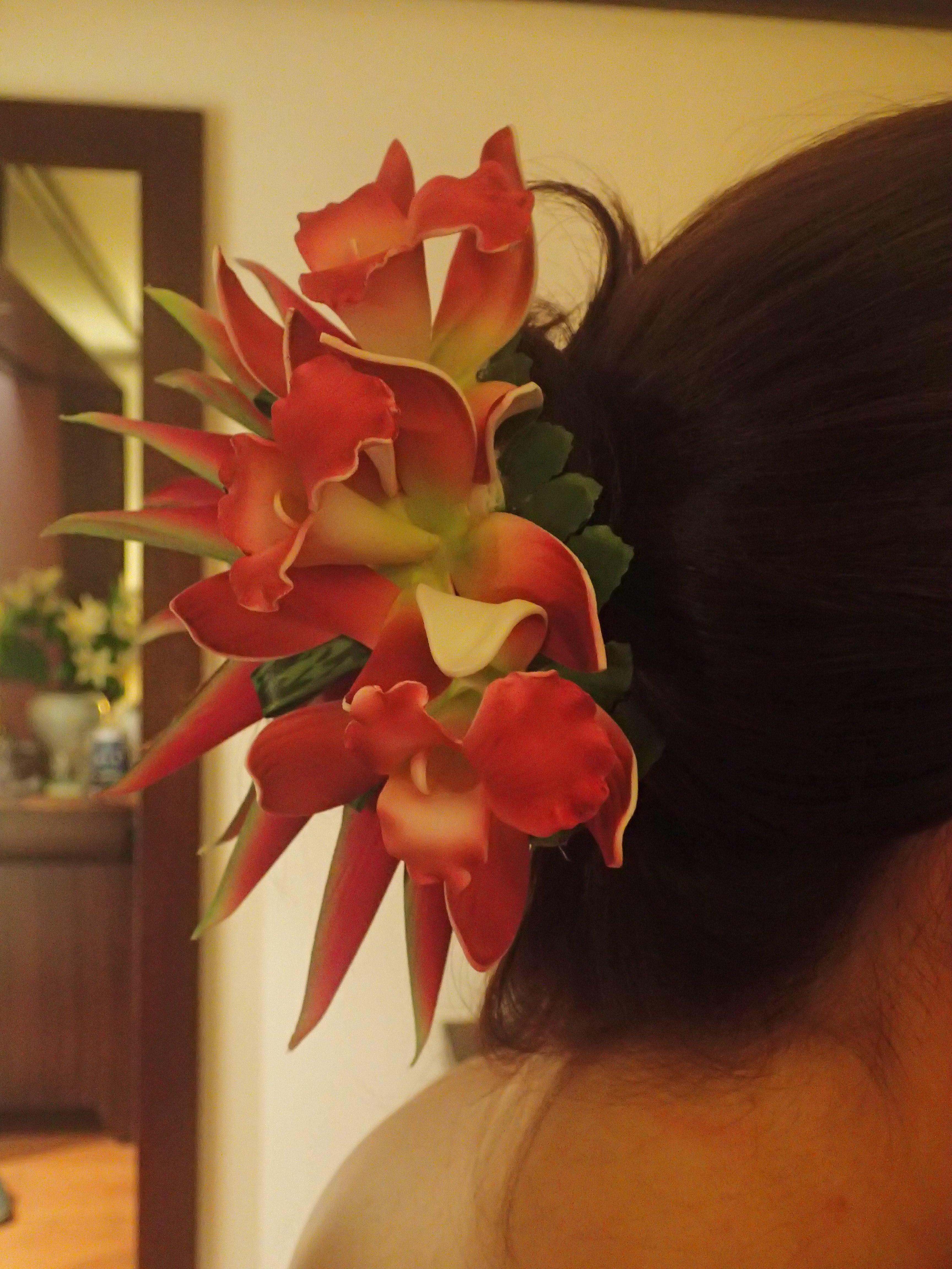 Orkideaa tukkaan