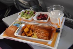 Maistuvaa lentoruokailua